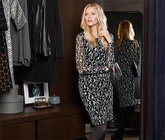 Női ruha, fekete-fehér mintás