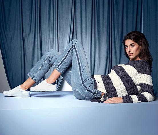 Női kötött pulóver, kék, csíkos