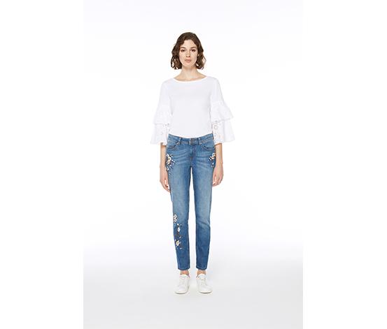 Beyaz Nakış Detaylı Kot Pantolon