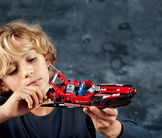 LEGO® Technic Sürat Teknesi