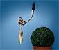 Outdoorowa lampa LED w kształcie żarówki zawieszonej na rustykalnej linie