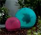 Grande boule lumineuse solaire avec décoration de feuille et changement de couleurs à LED