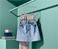 Sklápací úsporný vešiak na sukne a nohavice