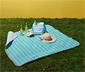 Koc piknikowy z paskiem ułatwiającym przenoszenie