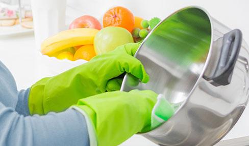 Küche putzen: Alles auf Hochglanz bringen   TCHIBO