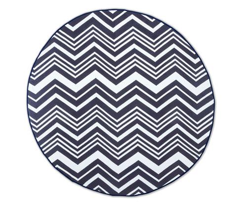 Duży, okrągły ręcznik kąpielowy z tkaniny frotté w geometryczne wzory
