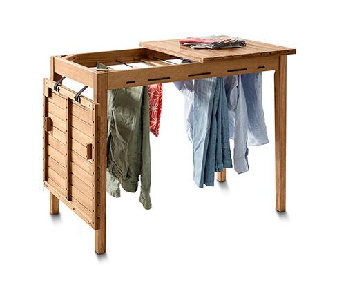 Stůl se sušákem na prádlo