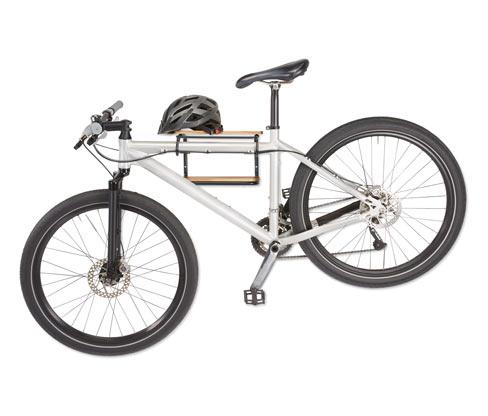 Wandregal und Fahrradhalter