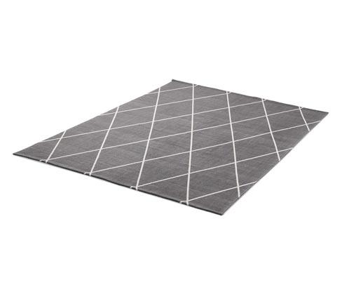 Szary dywan we wzory w romby, ok. 140 x 200 cm